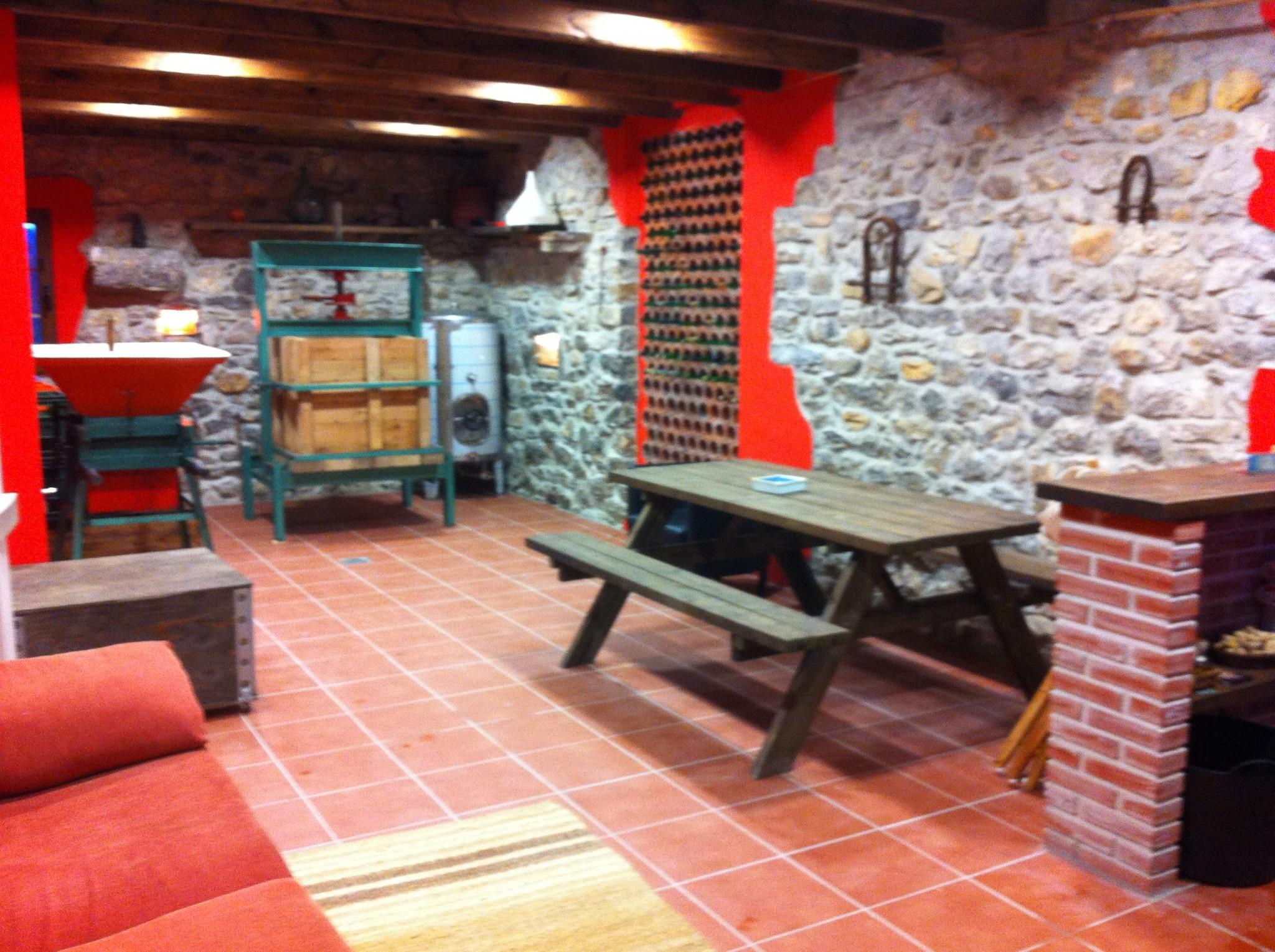Salon lagar de sidra, casa rural el Rincón del Sella,http://www.elrincondelsella.com