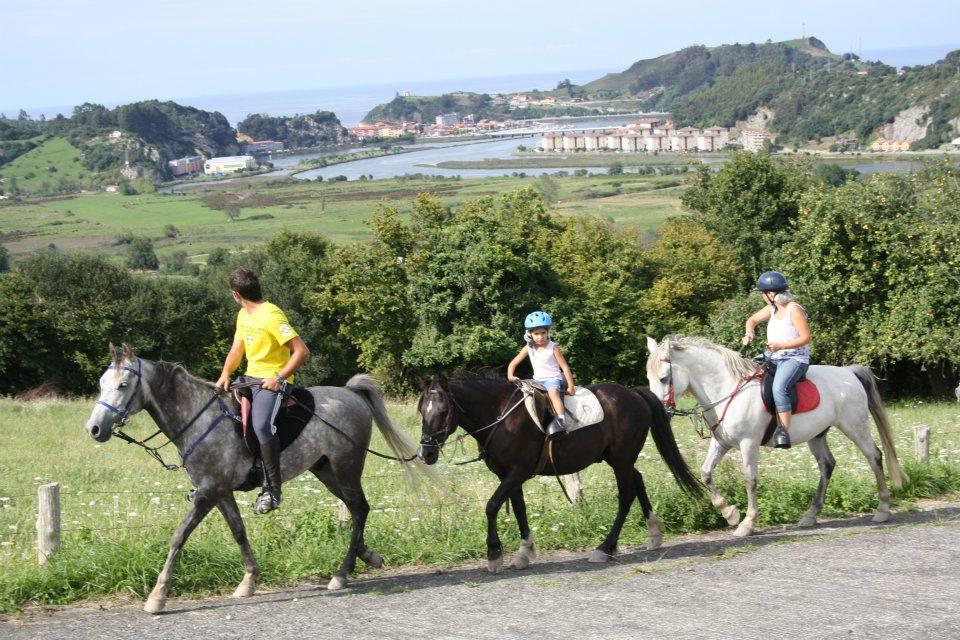 Paseos a caballo en Ribadesella (Asturias)