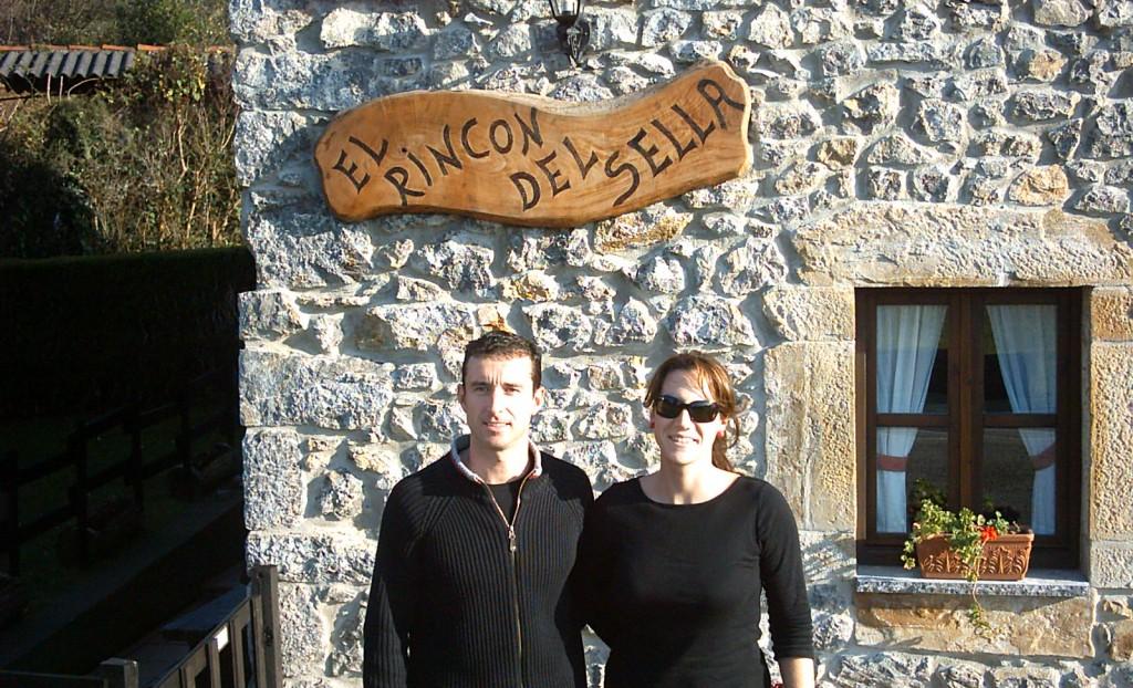 Ana y Roberto, propietarios de la Casa Rural en Asturias - El Rincón del Sella