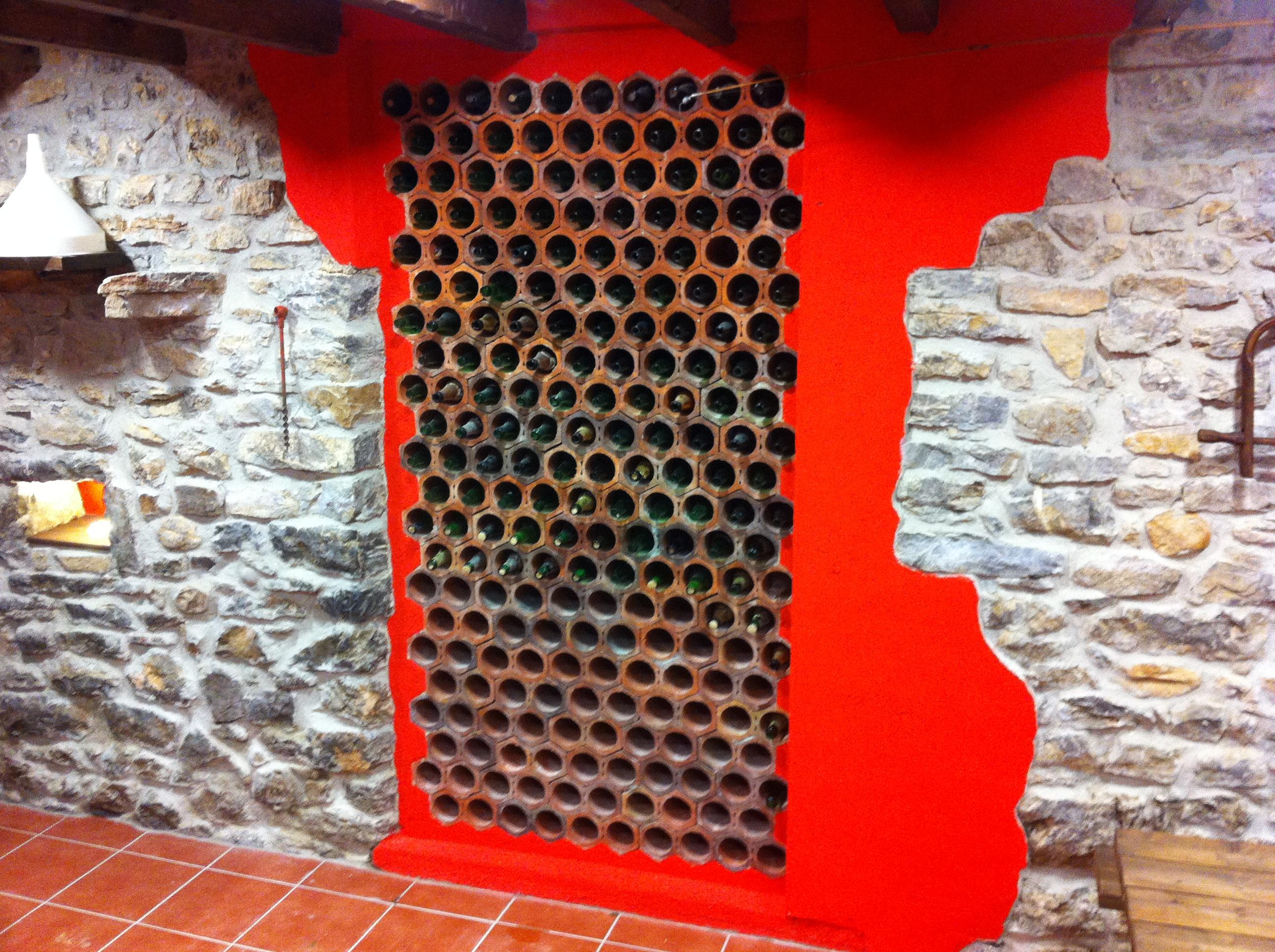 Como hacer un botellero casero awesome botelleros de palets para crear una mini bodega with - Botelleros de obra ...
